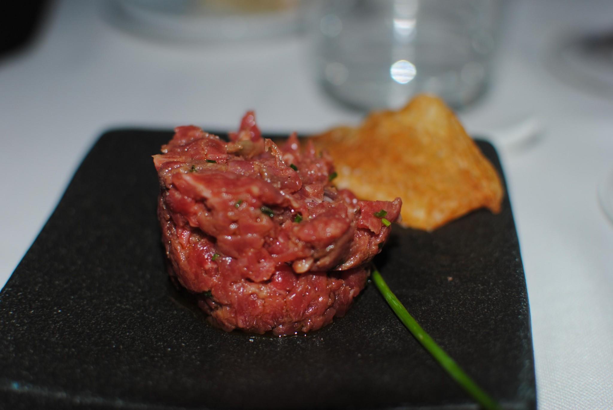 Steak_tartar_red
