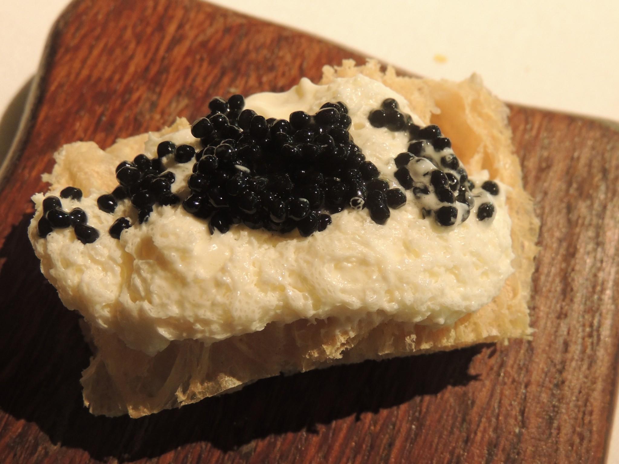 Pan,crema, caviar_Mugaritz