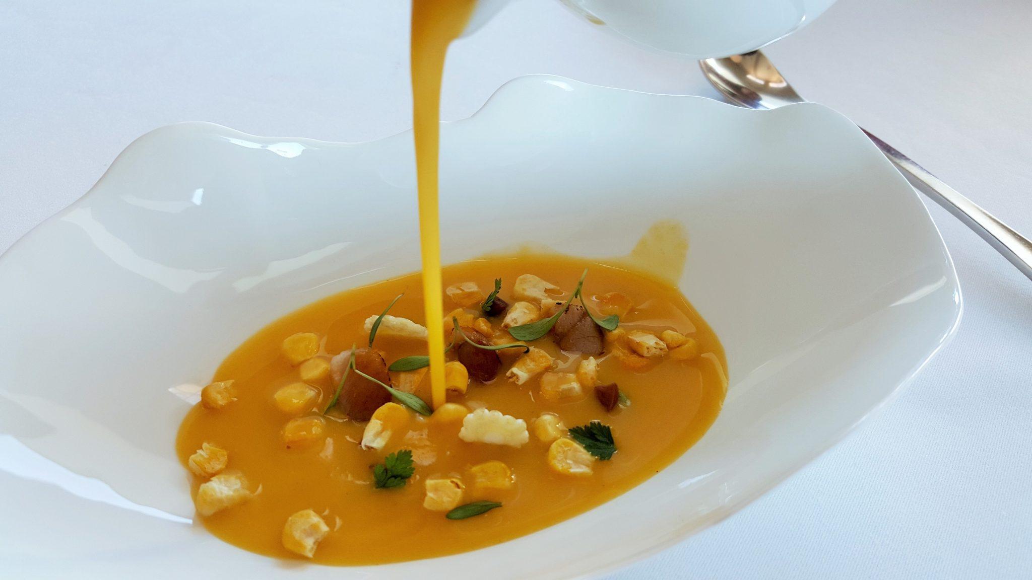 Sopa de maiz y trucha El Carmen de Montesion