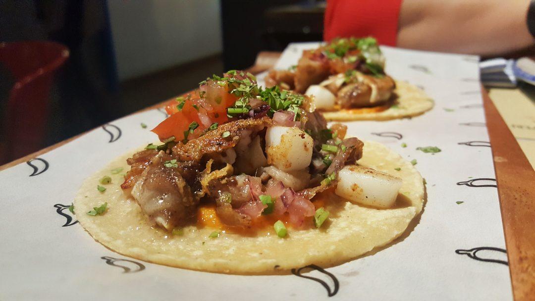 taco oreja y sepia Mawey taco bar