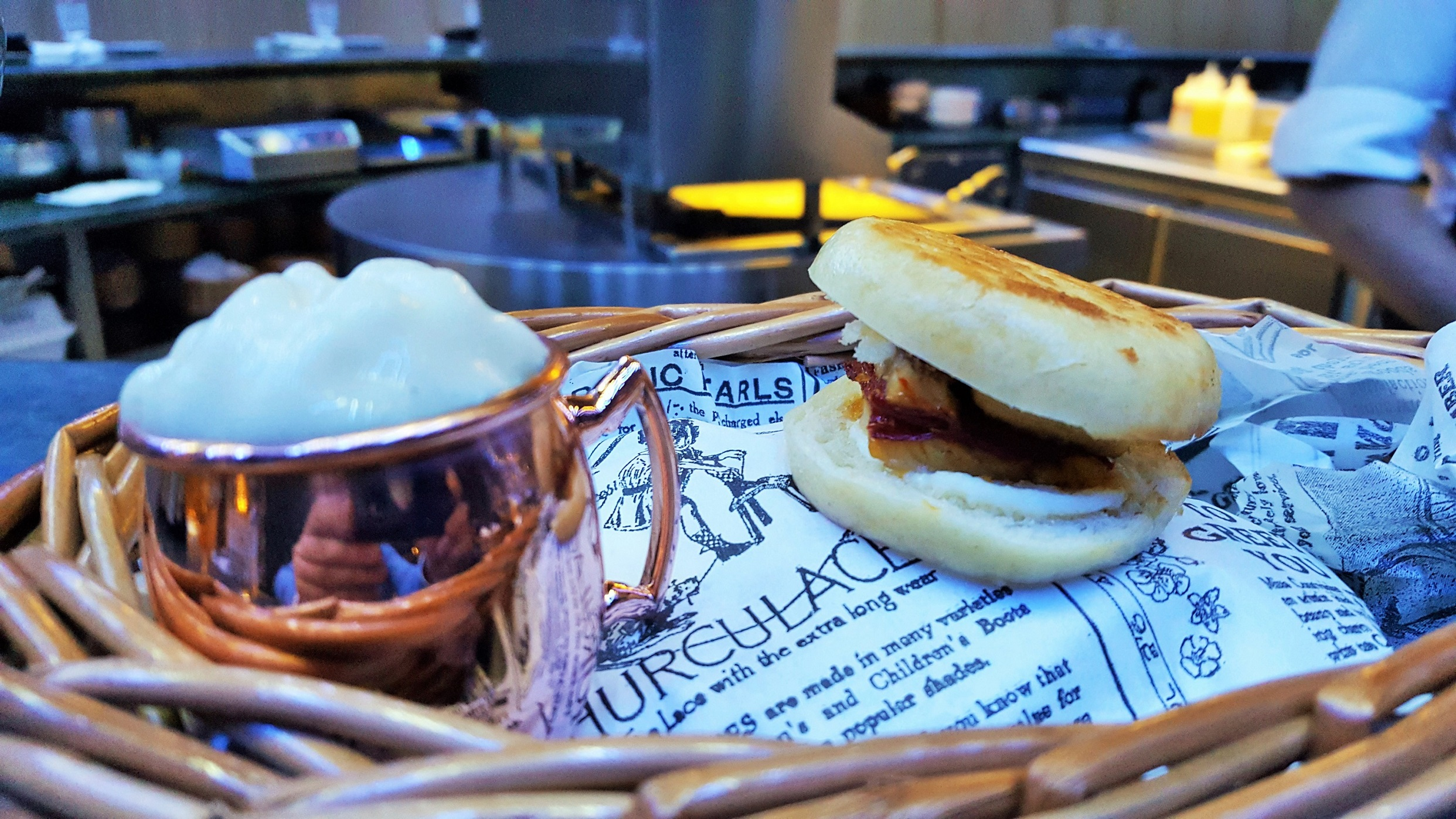 Foie de cerveza y sandwich de anguila A'barra