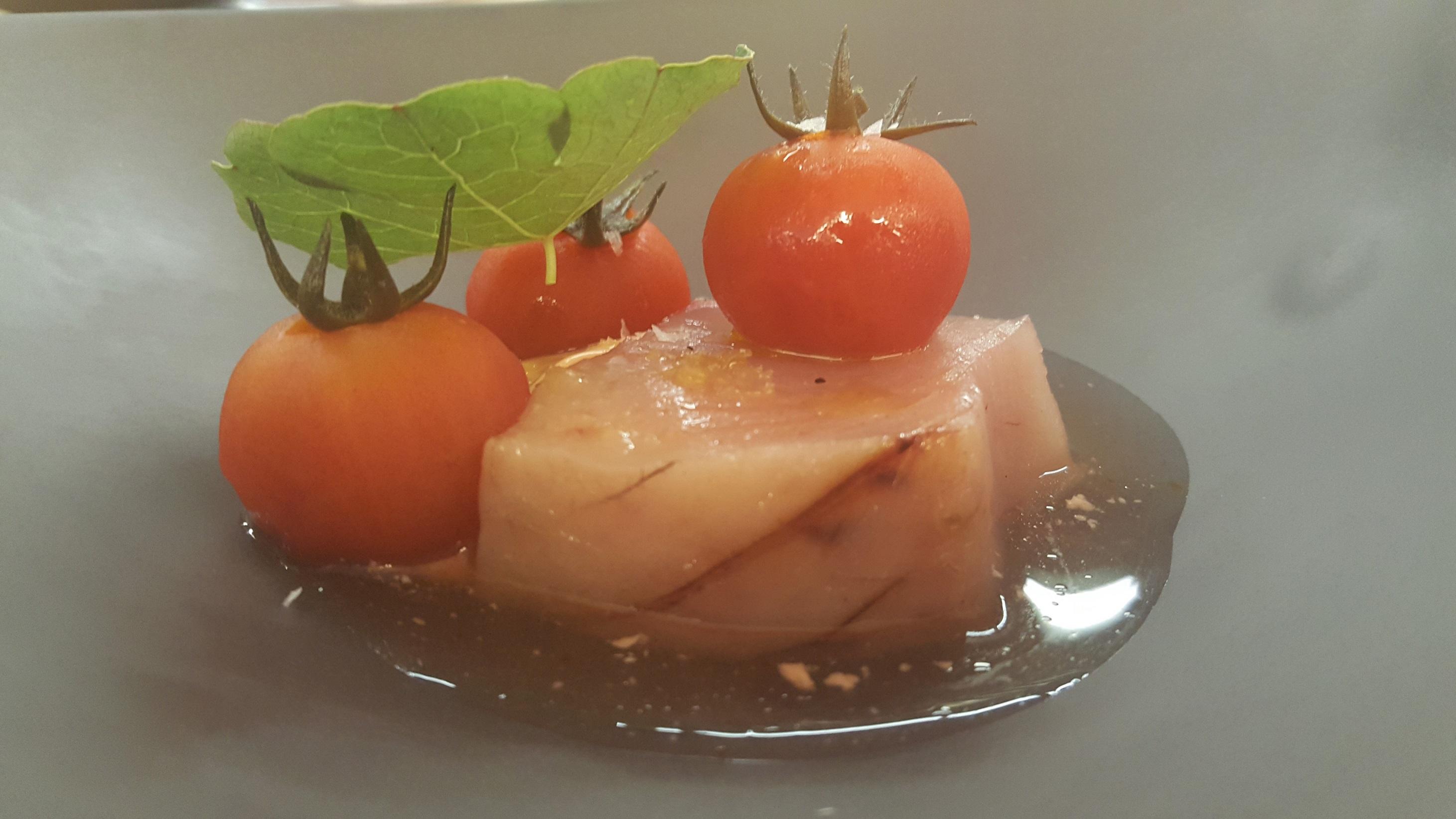 Bonito con tomate NADO