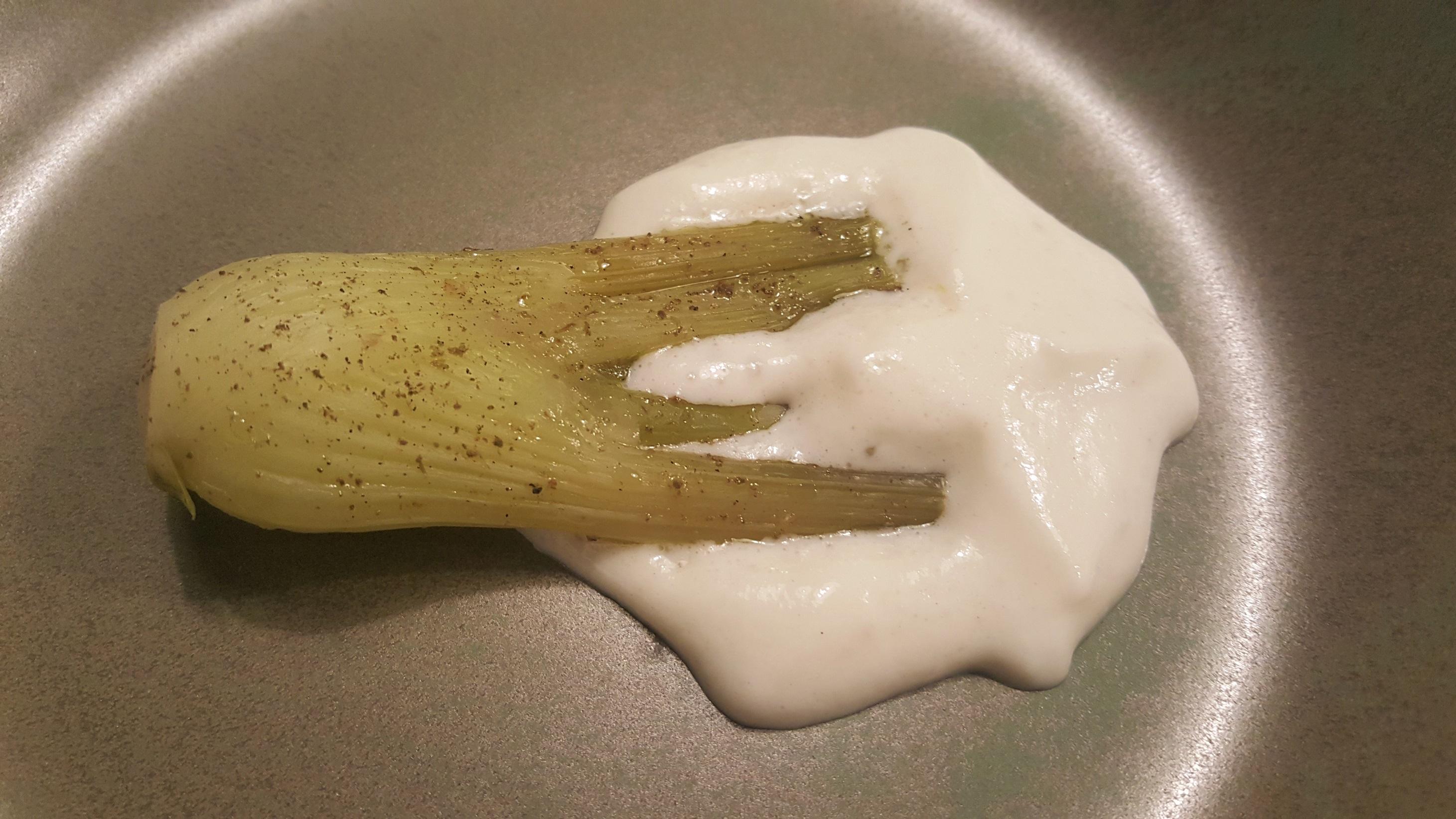 Hinojo con espuma de pilpil de merluza Baga