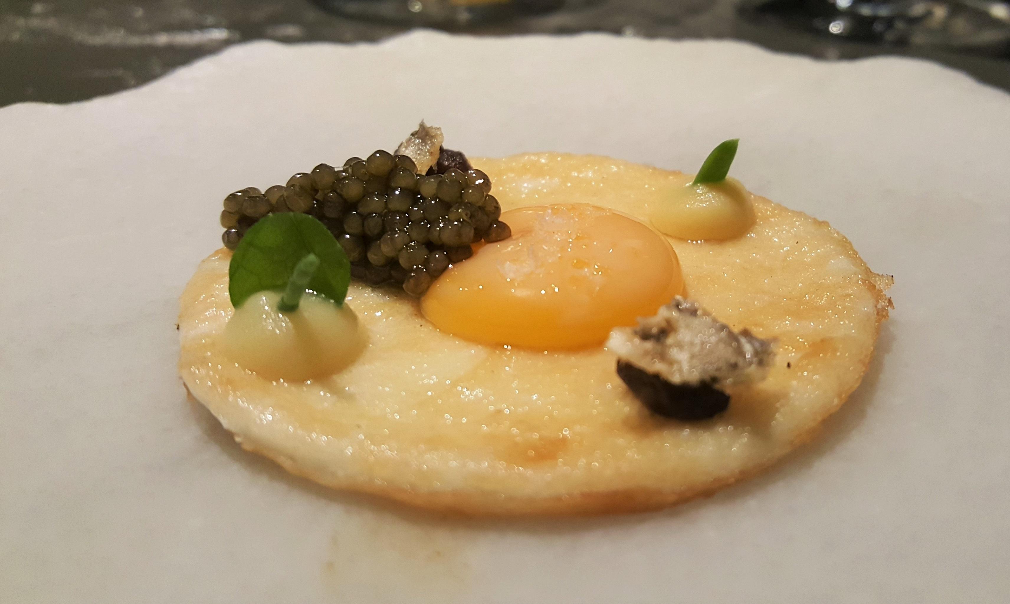Huevo con caviar Annua