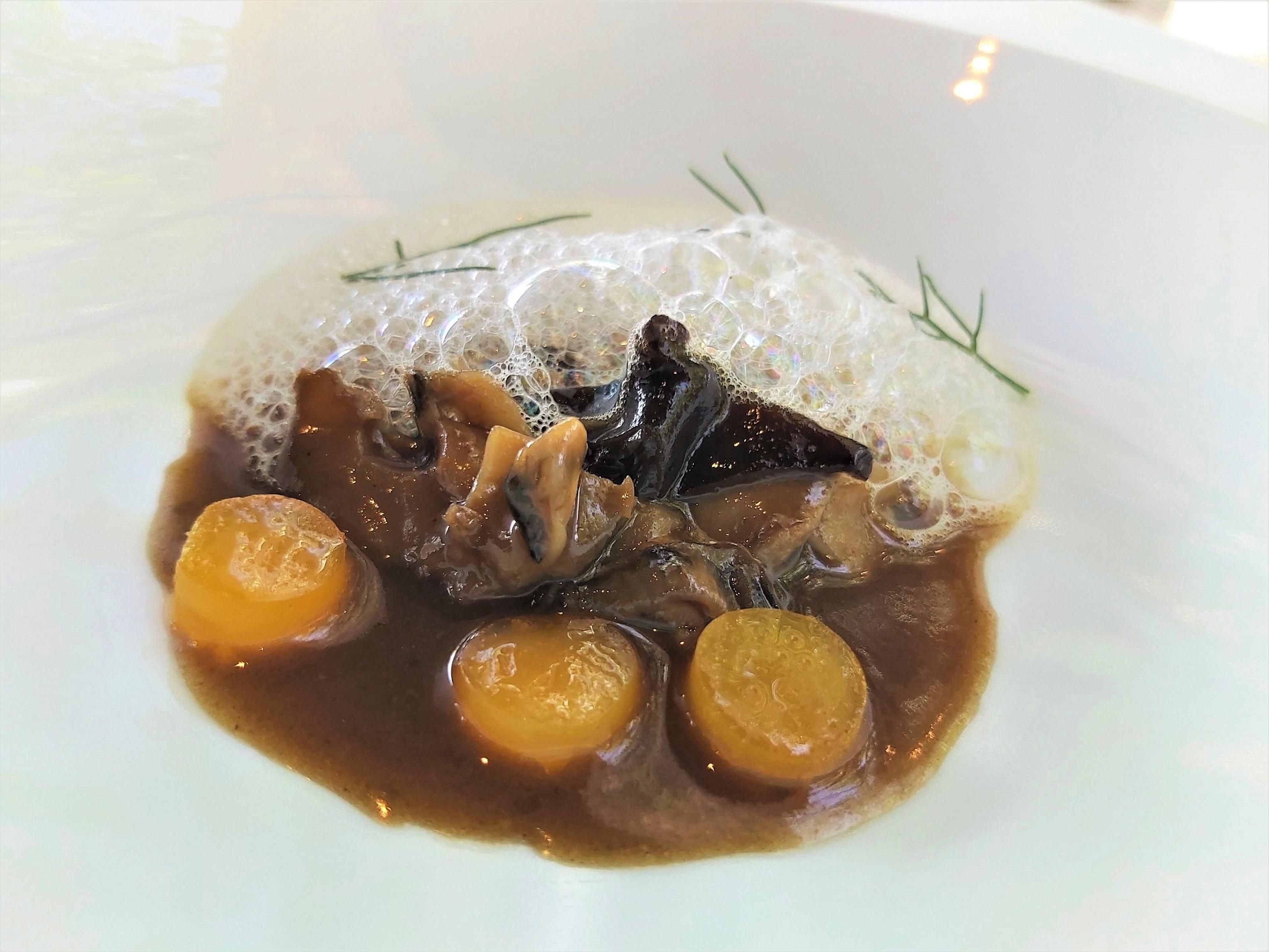 Ostra madurada, huev y caldo de caracoles los mejores platos del 2020