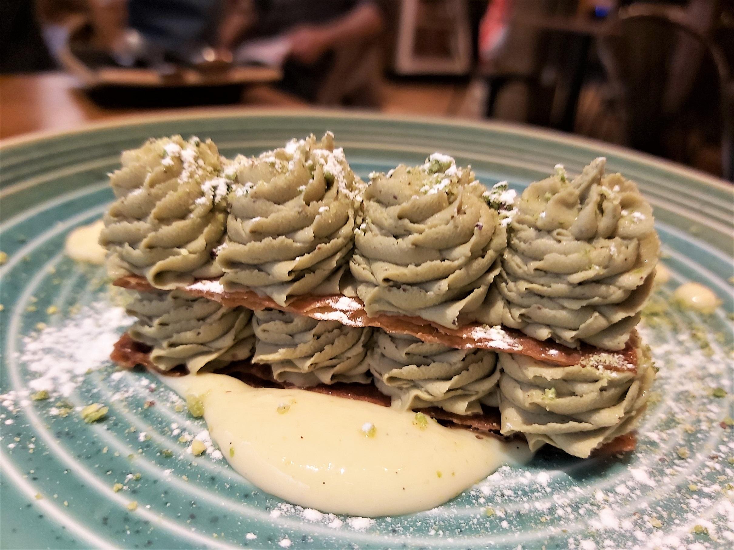Crema de pistachos y hojaldre La Tasquería