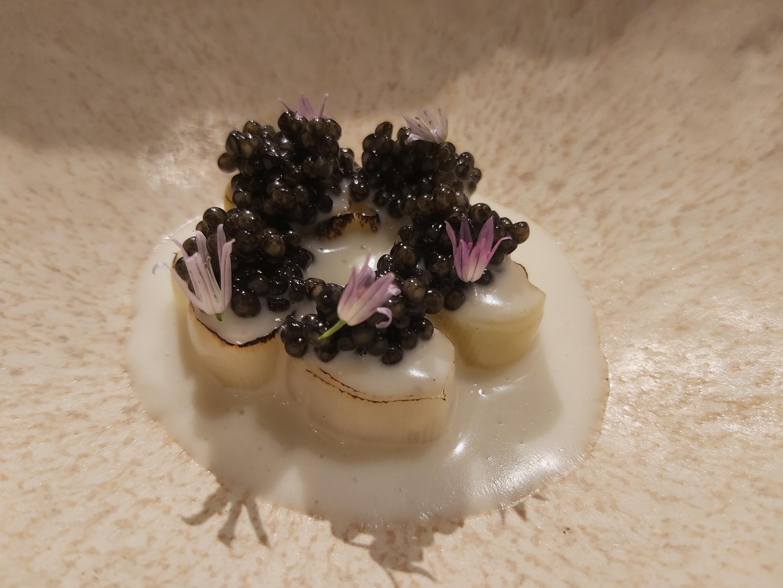 Puerros, beurre blanc y caviar Bardal